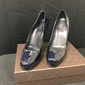 Patent leather blue Gucci shoes